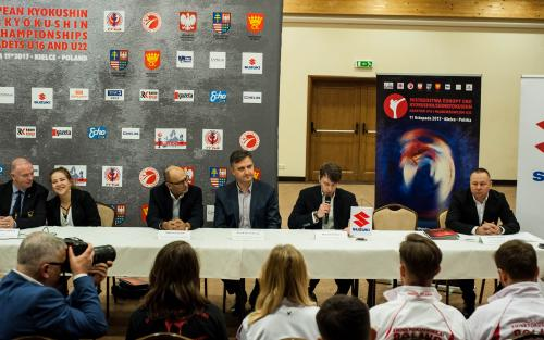 PRESS CONFERENCE BEFORE EC IN POLAND